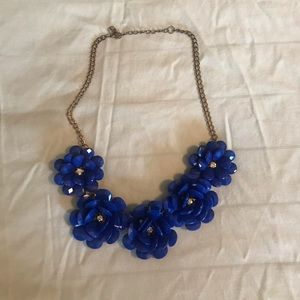 Jewelry - Royal blue flower necklace